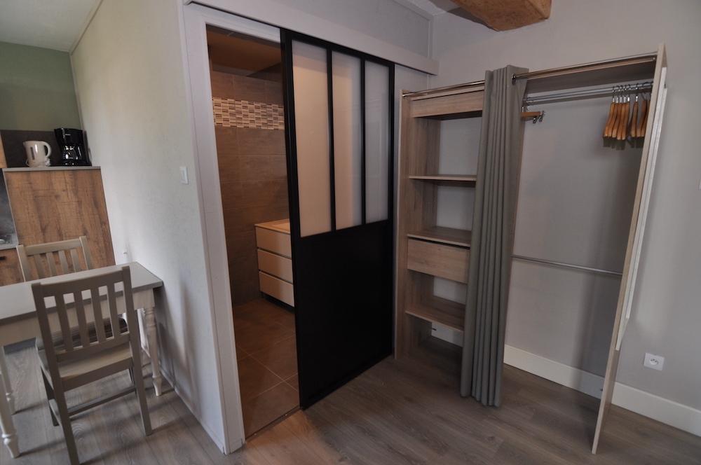 gites-appartement-napoleon-kledingkast